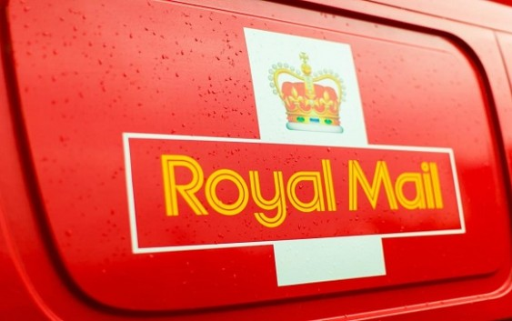 Apr 18, · Best Answer: Royal Mail do not deliver on a Sunday. Deliveries are only made Monday to Friday, with a reduced service on Saturday. All mail for any given street / district is the responsibility of the postman assigned to the round. He is required to ensure delivery of all mail to that round. However Status: Resolved.