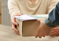 Understanding the Parcel Delivery Tipping Point for Consumers